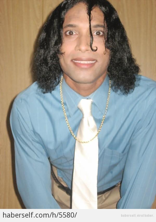 Kendisini Dünyanın En Yakışıklı Erkeği Ilan Eden Hindistanlı Gencin