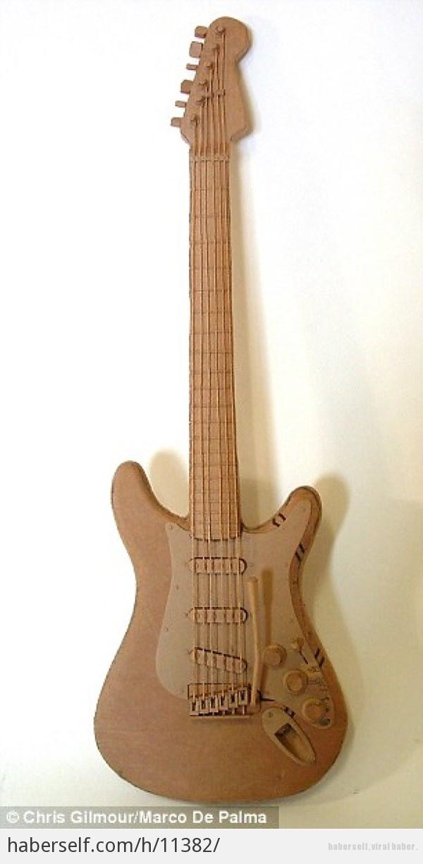 Рок-гитара из картона